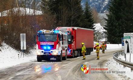 14.01.2021: LKW Bergung B152 bei winterlichen Verhältnissen